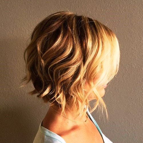 Loosely Tousled Bob Hairstyle for Thick Hair