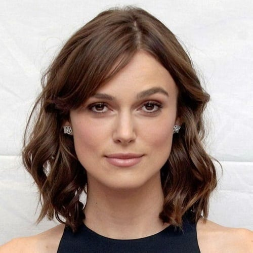 Adorable Wavy Mid-Length Hairstyle