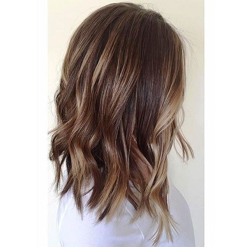 Lob with Caramel Highlights and Delicate Layers