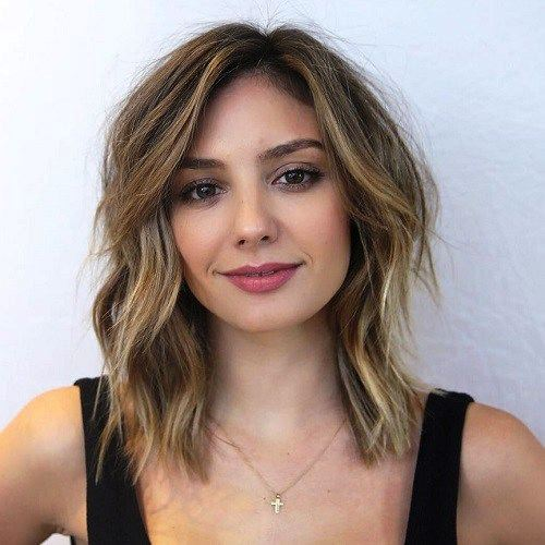 Square Wavy Hair Styles for Adorable Oval Face