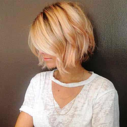Sassy Feathered Short Bob with Blonde Highlights