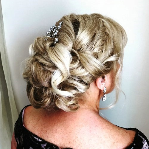 Bold Updo for Long Hair to Boost Your Confidence