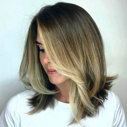 Face-Framing Blonde Highlights