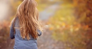 5 Ways To Prevent Hairfall During Monsoon